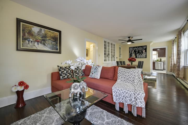 Comfortable First-Floor Princeton Condo w/Parking