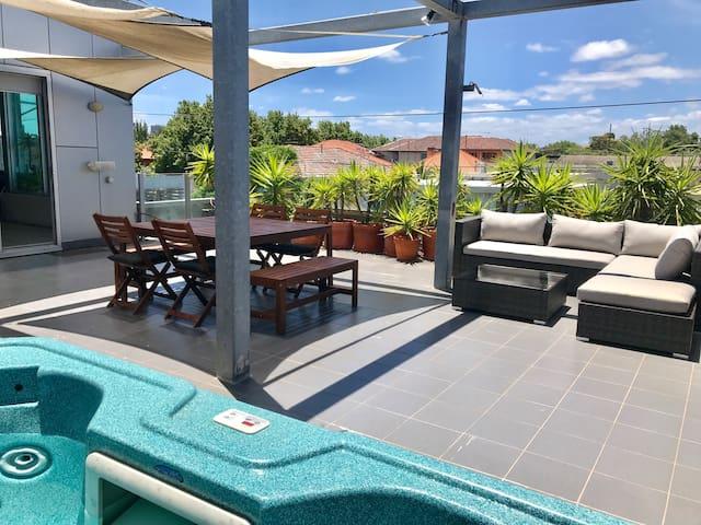 St Kilda Lux Penthouse