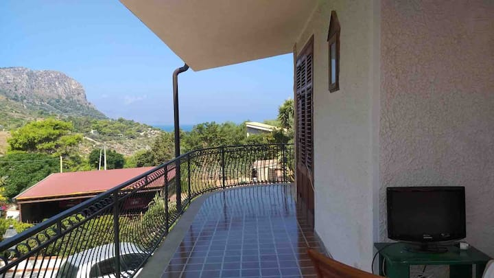 Villa al mare a Capo Zafferano -  piano 1