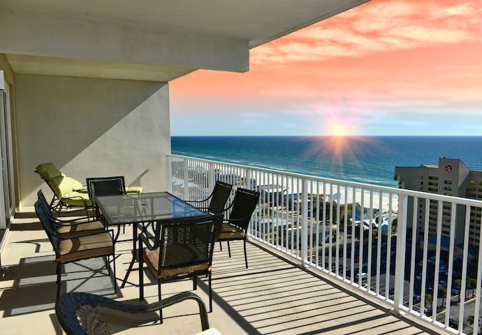 BRAND NEW, Sleeps 10, Amazing Ocean Views & Resort - Panama City Beach - Apartmen