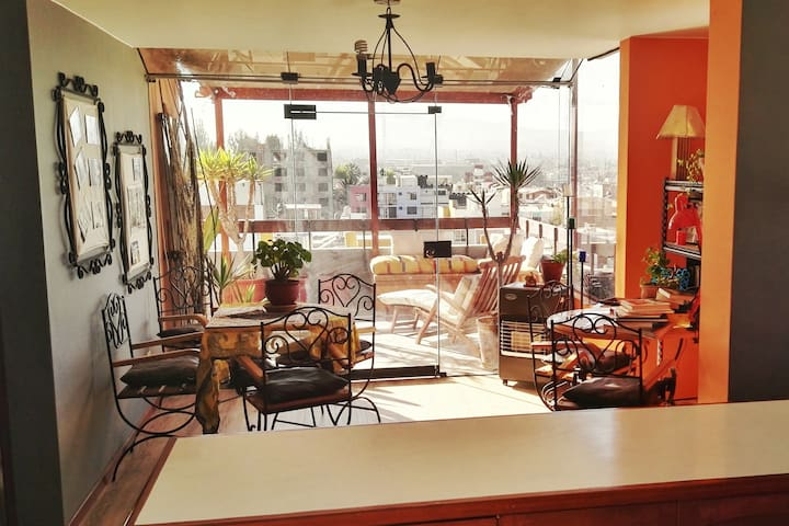 Light, airy. spacious apartment w/wonderful views