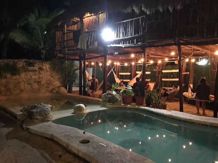 Gastello Inn Tulum - Cama Compartida 4pax Mixta