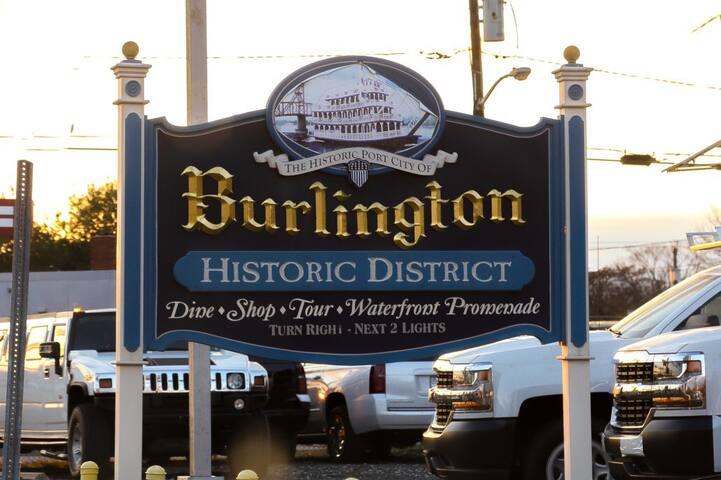 Private condo in historic home gym, laundry+extras - Burlington - Lejlighedskompleks