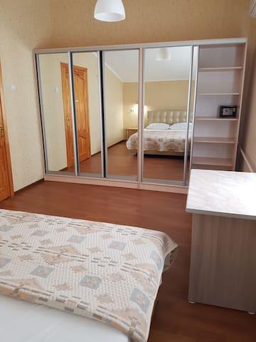 Большая спальня , шкаф