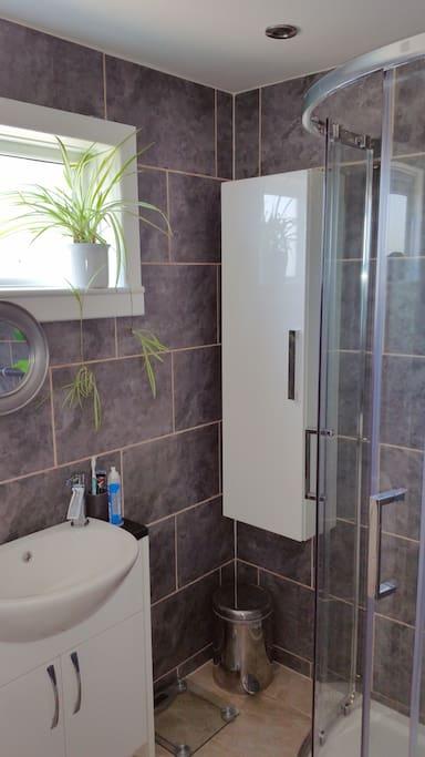 Sower room/toilet