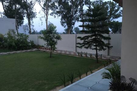Private room in grand modern villa - Jalandhar  - Dom