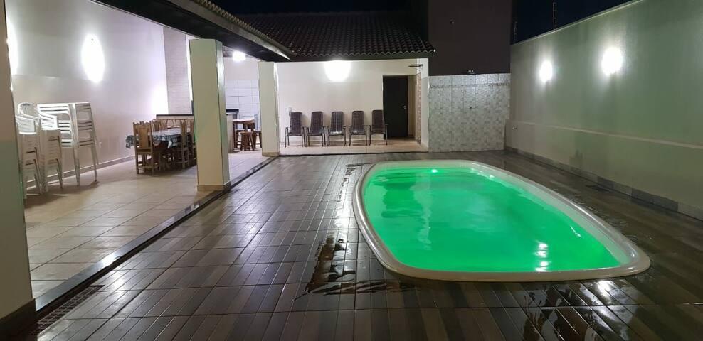 Casa com piscina aquecida para o carnaval oba