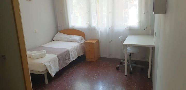 Habitación con baño privado Barcelona. nº 7 bis