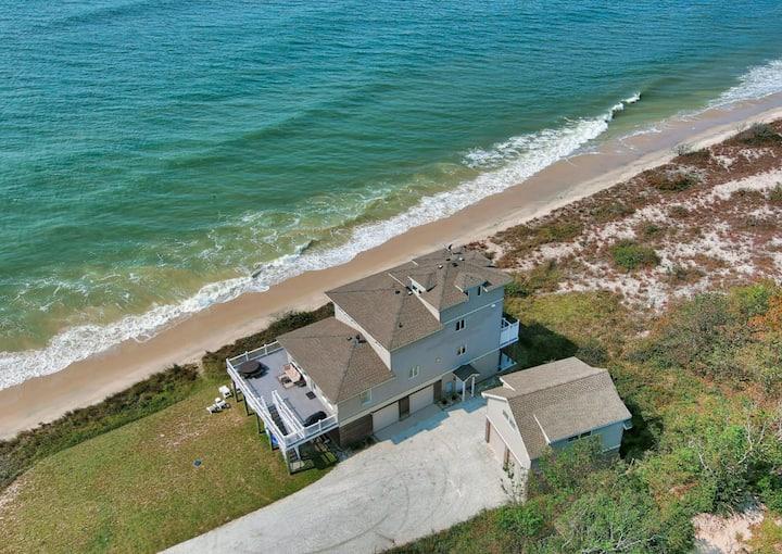 Beachfront Villa (across from Virginia Beach)