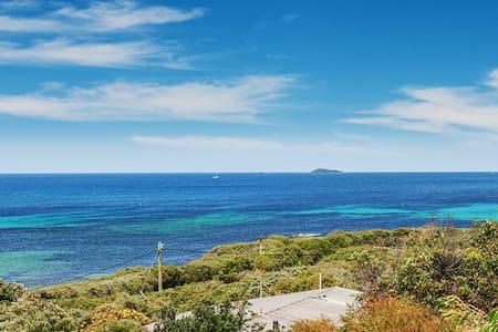 Vivente - overlooking Flinders Bay in Augusta - Augusta