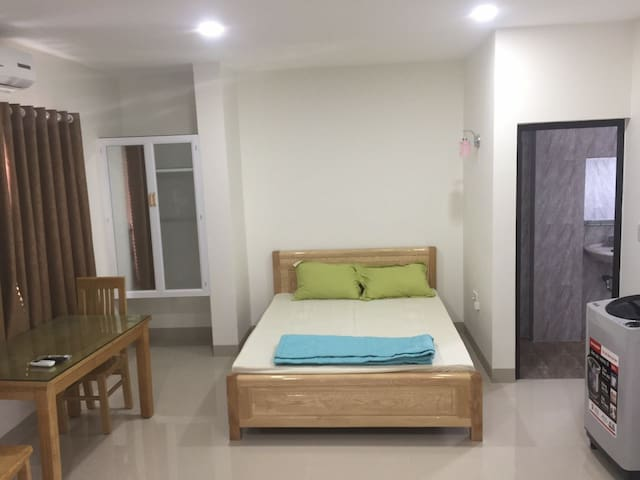 cheap apartment 100m from the sea in Nha Trang