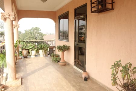 Furnished 3 bed 2.5 bath apartment - Haatso