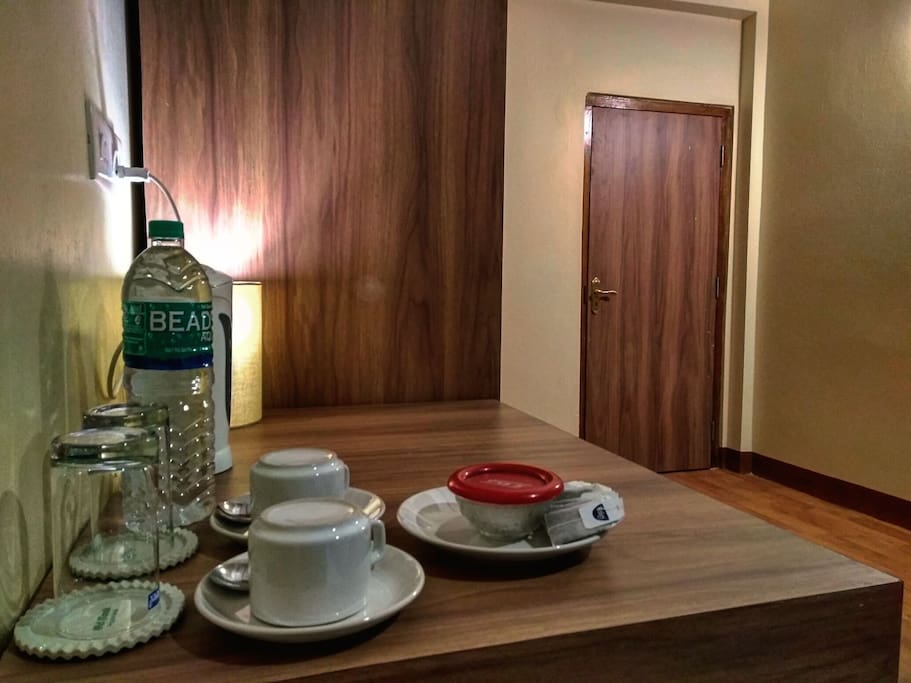 Breeze Vale Homestay provides complementary breakfast to all our guest. Additional to our complimentary breakfast we also give out complimentary water and tea/coffee bags in each suite. ☕