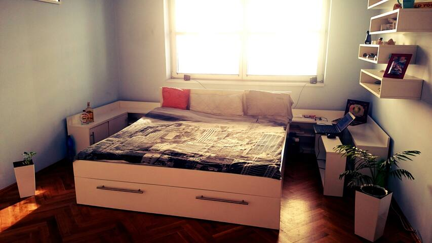 Comfortable Apartment Close to *ANDĚL* Station