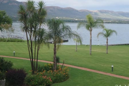 Waterfront Apartment on Hartbeespoort Dam