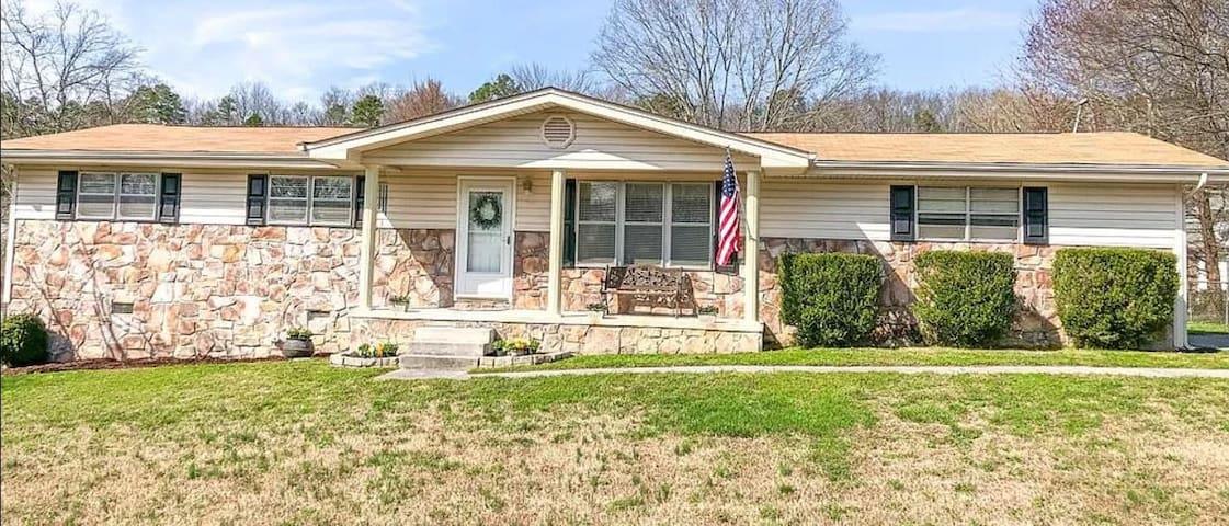 Quiet Suburban House Near Chattanooga