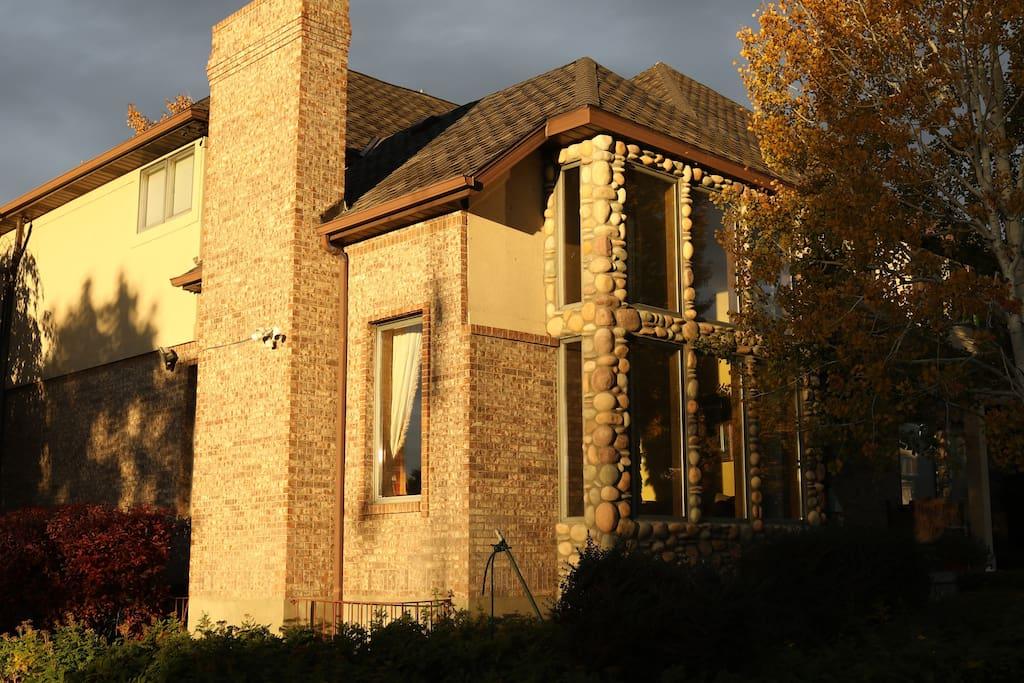 The Sun rises beautifully on Lisa's Mansion