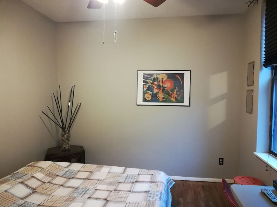 Large, newly painted bedroom is always ventilated, sanitized, and vacuumed for each and every new guest.  Newly laundered linens only.  VERY clean host!
