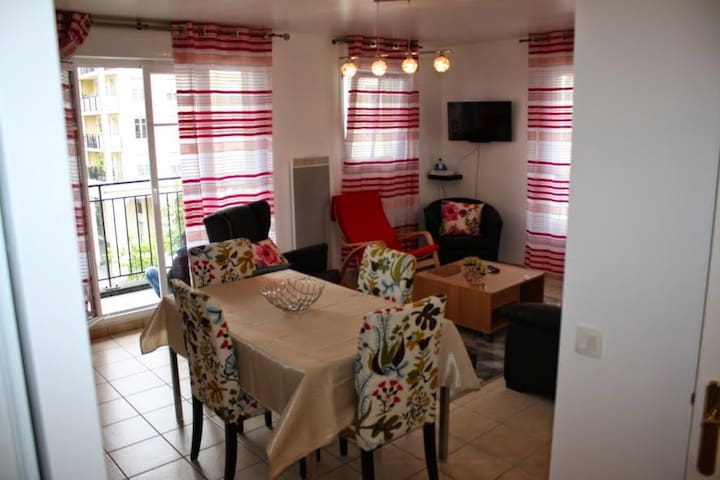F3 lumineux proche disney land - Bussy-Saint-Georges - Apartment