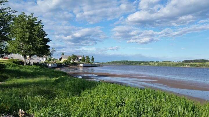 SMK Property Rentals: Park Model on the river.