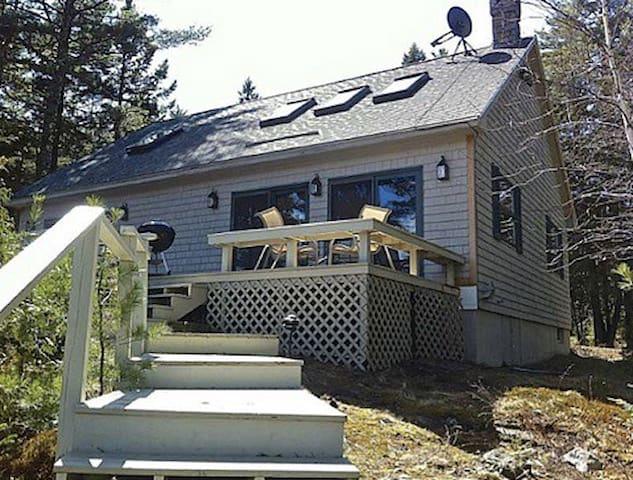 Pine Bluff Cottage on Freshwater Near Acadia Park