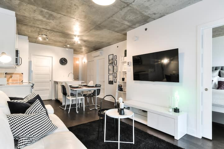 Live in the heart of Griffintown!