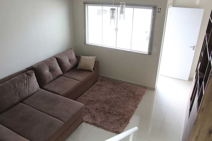 Residência completa em Itapema (Ar, Sky, Wi-fi)