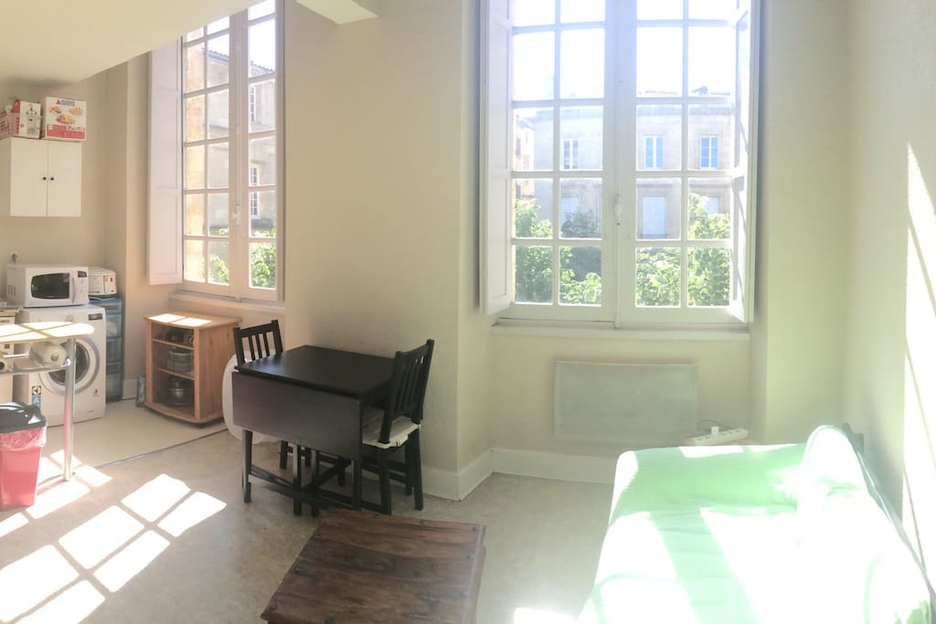 Studio fonctionnel et lumineux hypercentre appartements for Studio louer bordeaux