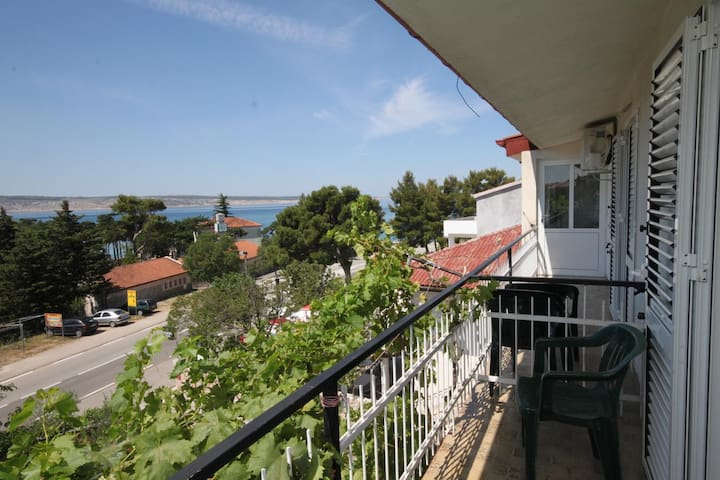 Room with balcony and sea view Starigrad (Paklenica) (S-6622-a)
