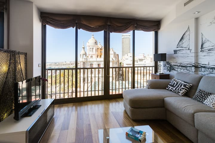 Central penthouse with the best sea views in town