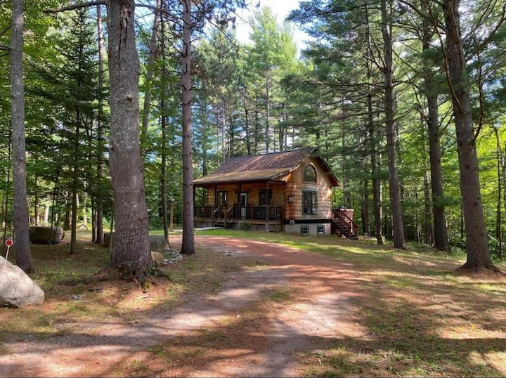 Adirondack Cabin - 2 Minutes Away from Whiteface