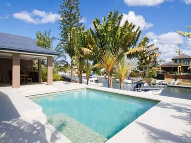 Surfers Paradise Resort style home on the Water