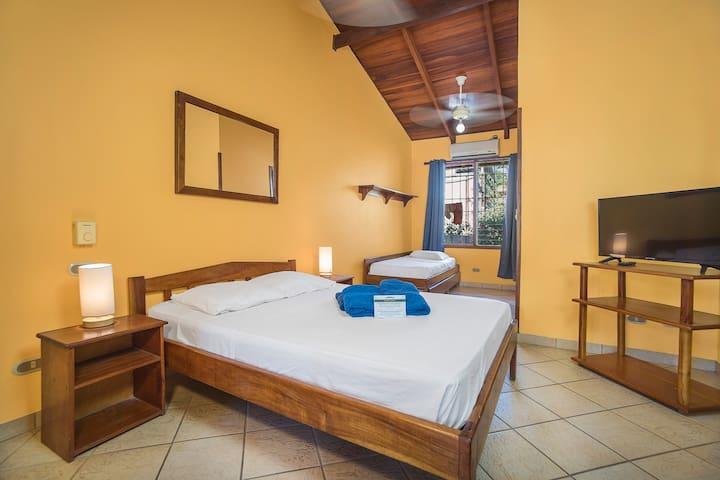 Bahia Esmeralda, Apartamento #8