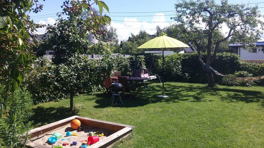 Cosy house with nice garden near beach - Pärnu - House