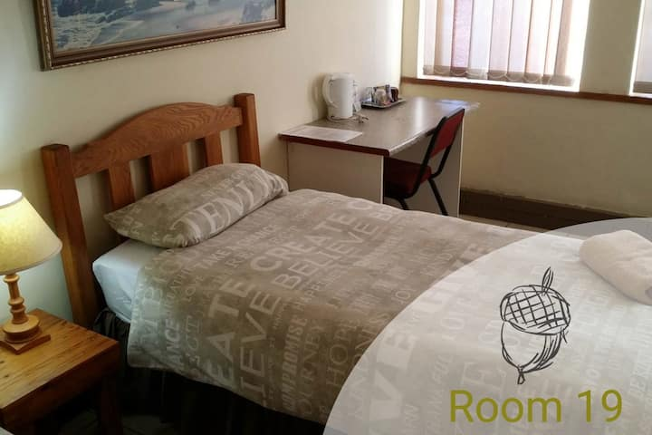 Acorn Lodge Comfort Single Room