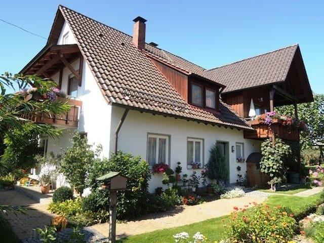 Haus Wetzler - Ferienwohnungen (Wasserburg (Bodensee)), Ferienwohnung 4