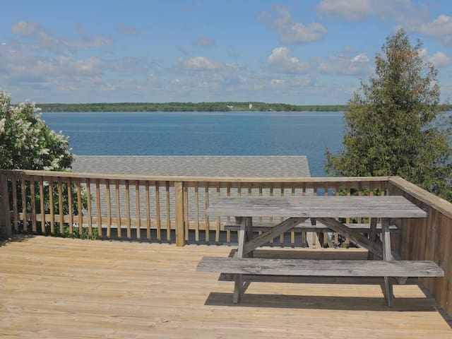 Cozy water view 2 bedroom/1 bath cottage (#4)