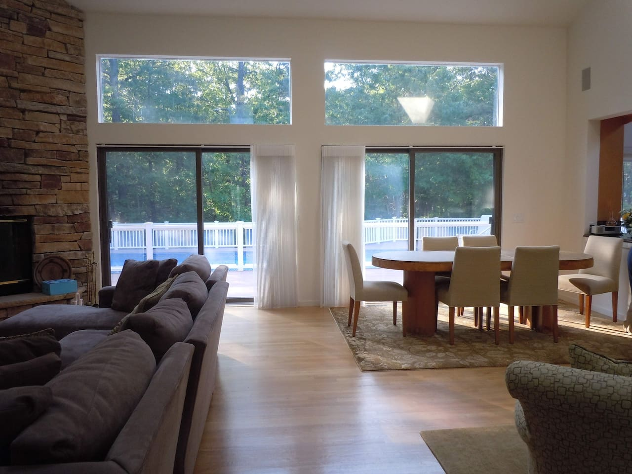 Great Room With Open Access To Pool