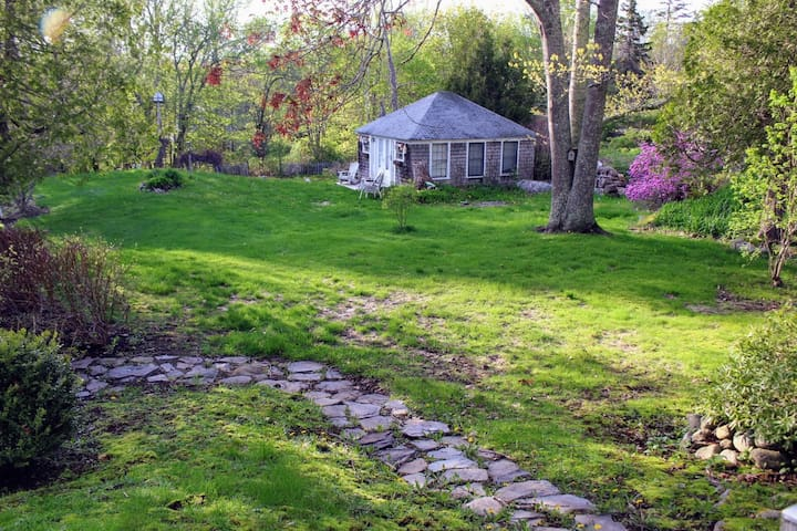 Wendell Berry Cottage - For Artists & Adventurers