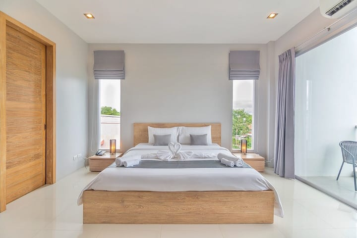 Nice Modern Deluxe room (Private Balcony)