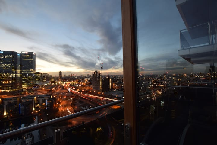 19th Floor En - Suite Balcony Room Free WiFi & TV - ลอนดอน