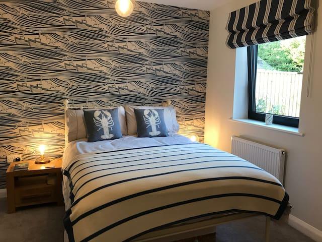 Beautiful, luxury ensuite room, central Topsham
