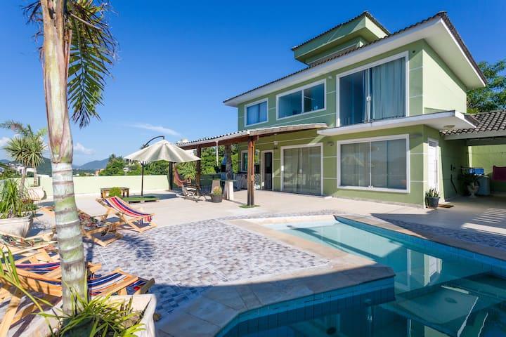 Casa no Mirante da praia de Piratininga.