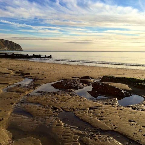 The Beach Apartment - Romantic escape by the Sea ❤️