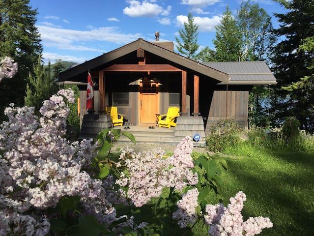 Stunning Cottage on Canim Lake, BC