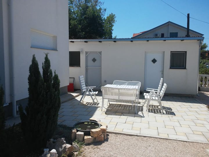 Studio flat with balcony and sea view Biograd na Moru, Biograd (AS-5282-a)