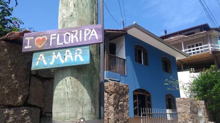 Casa azul da Barra da Lagoa: 26 pessoas!!!