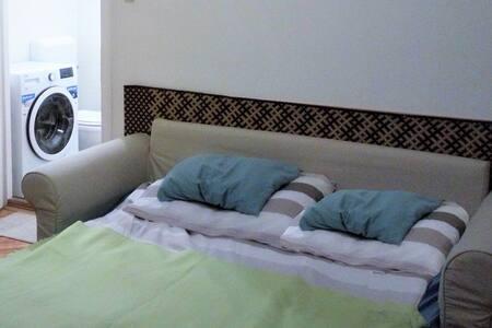Boldog-Hostel-Apartman-Üdülő-Vendégház/Apartman 1A