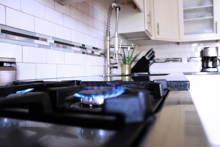 Gas Stove / Kitchen