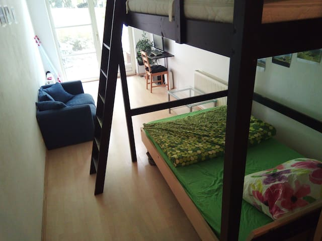 Small apartment with Garden view 3min walk oldtown